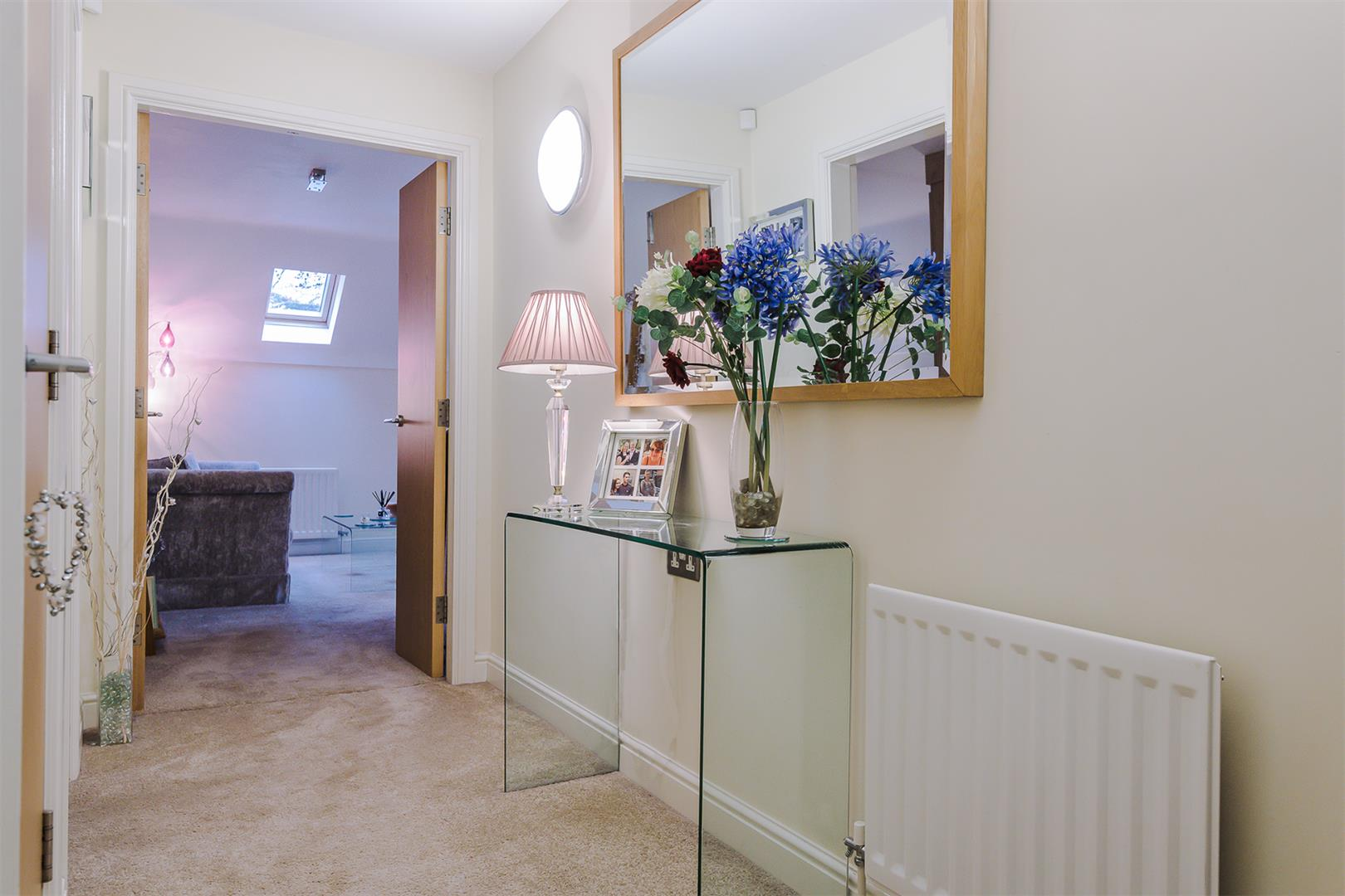 2 Bedroom Apartment Sale Agreed Image 7